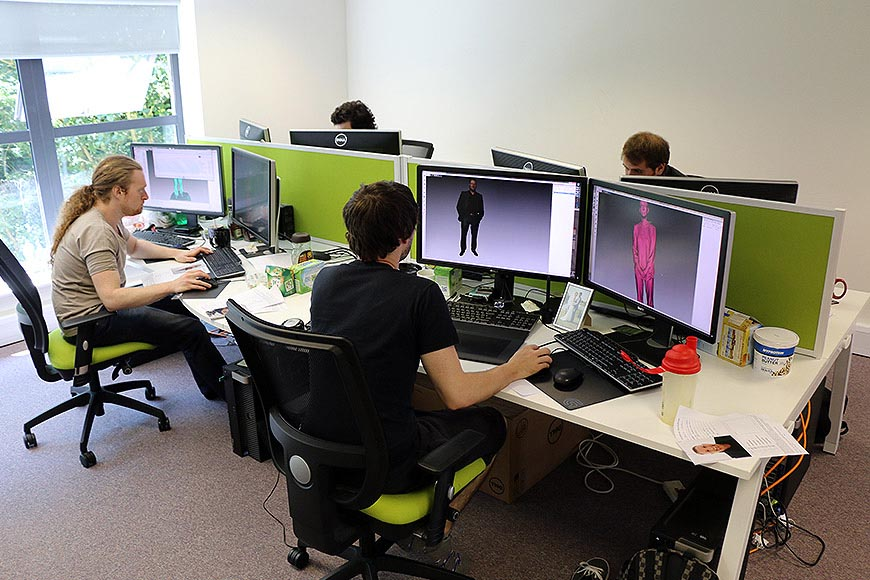 3D CAD engineers and artists